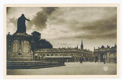 Nancy : la Place Stanislas et l'Arc de Triomphe, en Lorraine