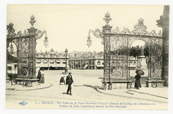 Nancy : un Coin de la Place Stanislas (1755), entrée de la Rue des Dominic…