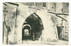 Nancy : intérieur de la Porte de la Craffe