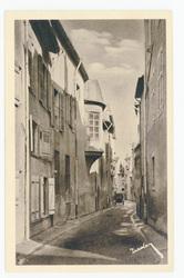 Nancy : la Ville Vieille, rue du Petit-Bourgeois