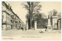 Nancy : statue de Grandville, caricaturiste