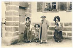 Allant au marché : maison alsacienne à l'exposition de Nancy