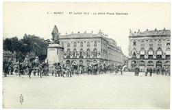 Le défilé Place Stanislas. Nancy, 27 juillet 1919