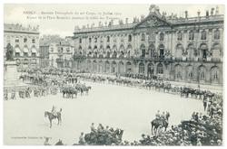 Aspect de la place Stanislas pendant le défilés des troupes. Nancy : rentr…