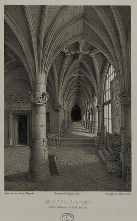 Le Palais Ducal à Nancy. Galerie extérieure, au rez-de-chaussée