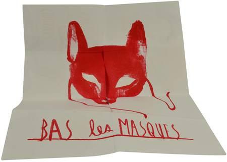 Le masque de loup rouge