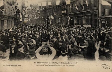 La délivrance de Metz, 18 novembre 1918 La société des Jeunes Ouvriers, ru…