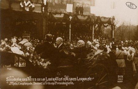Souvenirs des Fêtes de la Libération d'Alsace Lorraine. Metz. L'esplanade.…