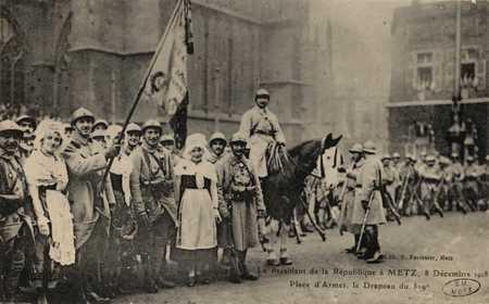 Le Président de la République à Metz. 8 décembre 1918. Place d'Armes, le D…