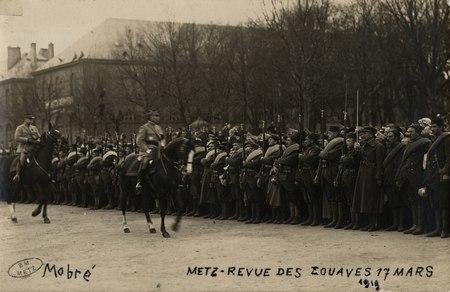 Metz. Revue des zouaves 17 mars 1919