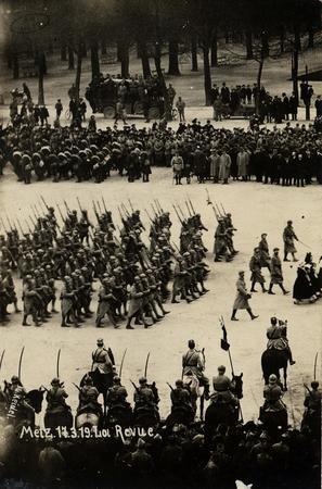 Metz. 17 mars 1919. Revue