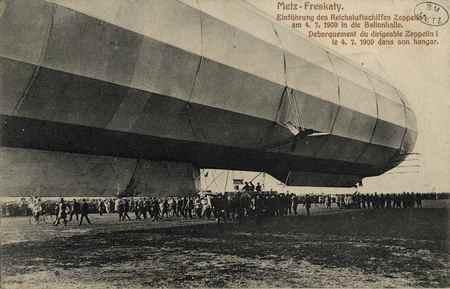 Metz-Frescaty. Debarquement du dirigeable Zeppelin I le 4.7.1909 dans son …
