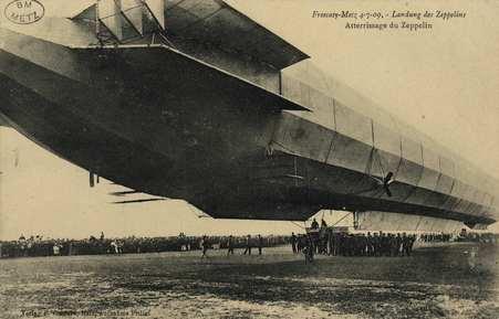 Frescaty Metz 4-7-09- Atterrissage du Zeppelin