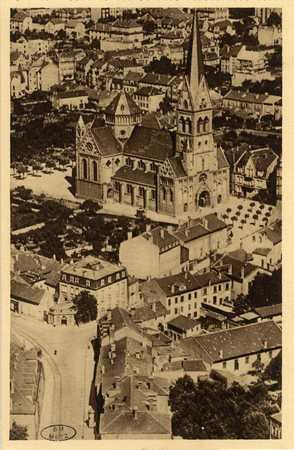 Montigny-les-Metz. Vue plongeante - Église. Place Jeanne d'Arc