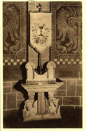 Montigny-les-Metz. Église. - Crédence et Nouveau Voile du Saint Sacrement