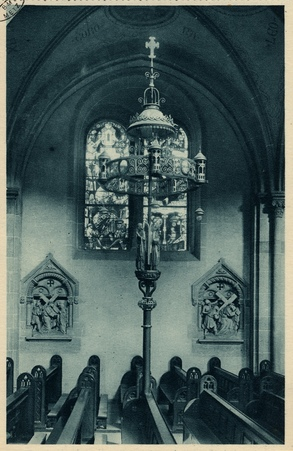 Montigny-les-Metz. Église paroissiale. Détail - Lampadaire