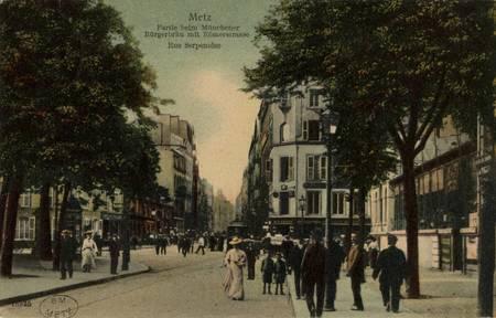 Metz. Partie beim Münchener Bürgerbraü mit Römerstrasse. Rue Serpenoise