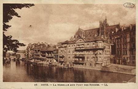 Metz. La Moselle aux pont des Roches