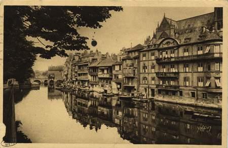 Metz (Moselle) Les Bords de la Moselle - Les Roches
