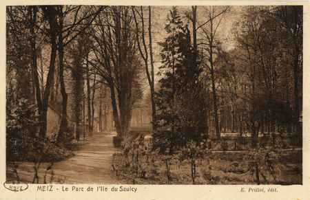 Metz. Le Parc de l'Ile du Saulcy
