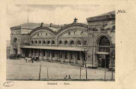 Metz. Bahnhof.  Gare.