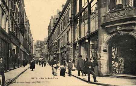 Metz. Rue du Petit-Paris