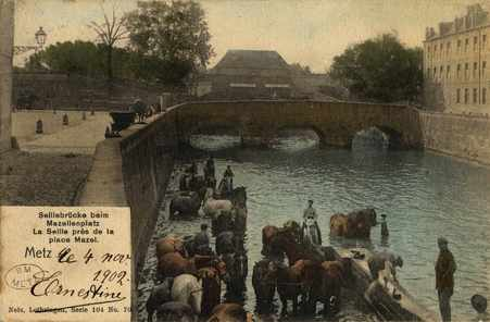 Seillbrücke beim Mazellenplatz. La Seille près de la place Mazel. Metz