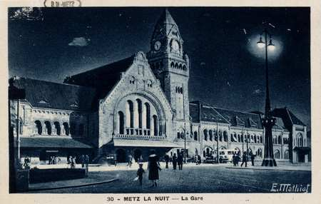 Metz. La nuit - La Gare