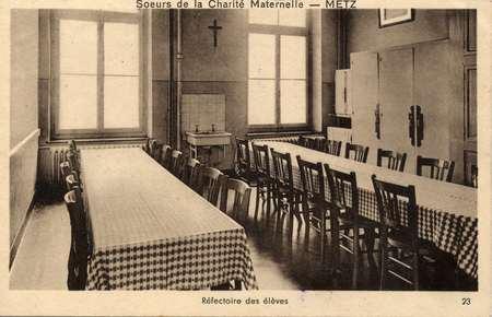Sœurs de la Charité maternelle - Metz - Réfectoire des élèves