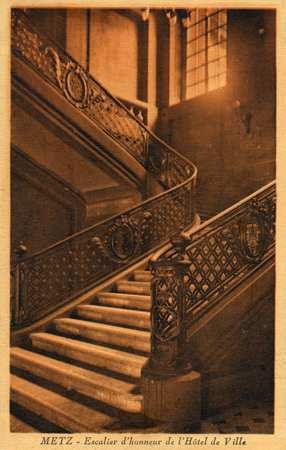Metz. Escalier d'honneur de l'Hôtel de Ville