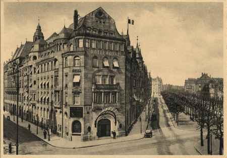 Metz (Moselle). Hôtel Royal et Avenue Foch