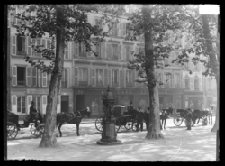 Station de fiacres bordant la place de l'Esplanade, avant 1892