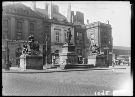 [Monument au maréchal de Fabert, Place d'Armes]