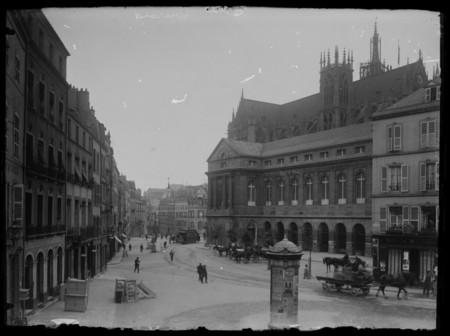 Vue de la cathédrale Saint-Étienne depuis la place de Chambre