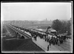 Parade militaire allemande sur le pont des Morts