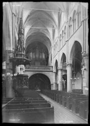 [Intérieur de l'église Saint-Martin]