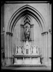 [Intérieur de la Basilique Saint-Vincent]