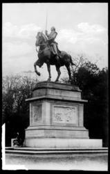 [Monument à La Fayette. Jardin Boufflers]