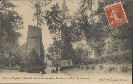 Château d'Épinal, Piliers du passage couvert reliant le donjon à la Tour d…