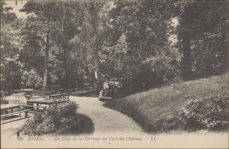 Épinal, Un Coin de la Terrasse du Café du Château