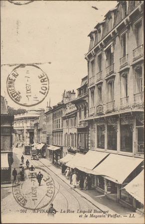 Épinal, La Rue Léopold-Bourg et le Magasin Peiffer