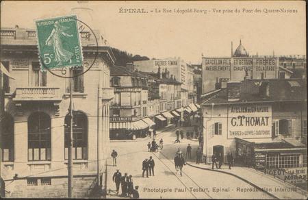 Épinal, La Rue Léopold-Bourg, Vue prise du Pont des Quatre-Nations