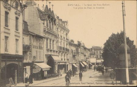 Épinal, Le Quai des Bons-Enfants, Vue prise du Pont du Boudiou