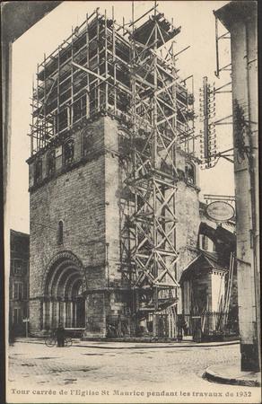 Tour carrée de l'Église St-Maurice pendant les travaux de 1932