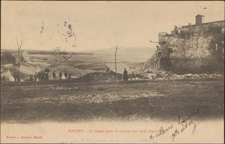 Bouzey, La Digue après la rupture (27 avril 1895)