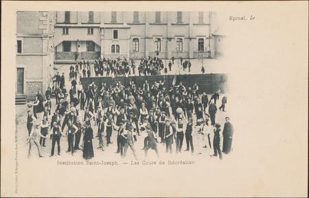Institution Saint-Joseph, les Cours de Récréation