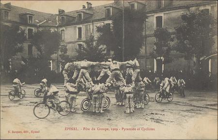 Épinal, Fête du Groupe, 1909, Pyramide et Cyclistes