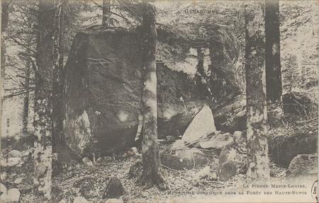 Gérardmer, La Pierre Marie-Louise, Monolithe erratique dans la forêt des H…