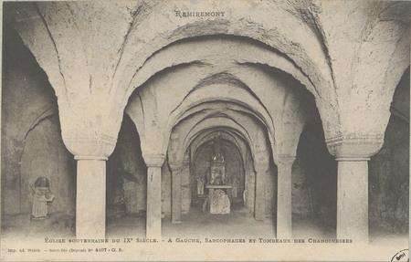 Remiremont, Église souterraine du IXe siècle - À gauche, Sarcophages et To…