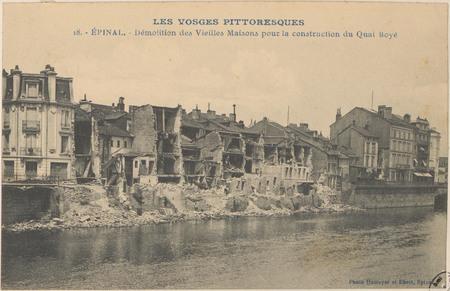 Épinal, Démolition des vieilles maisons pour la construction du quai Boyé